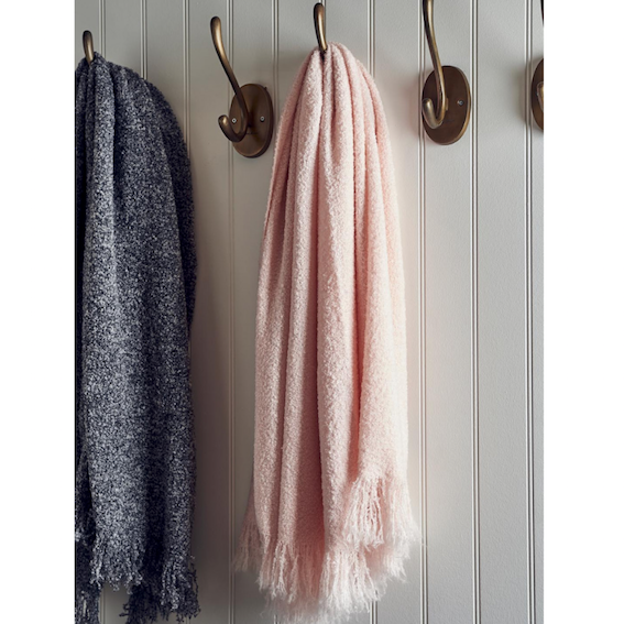 Brentwood Boucle Throw pink