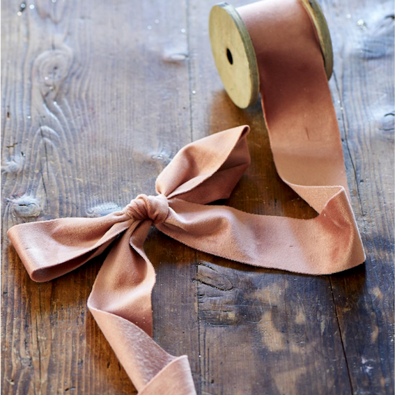 Fabulous Velvet Ribbon powdery pink