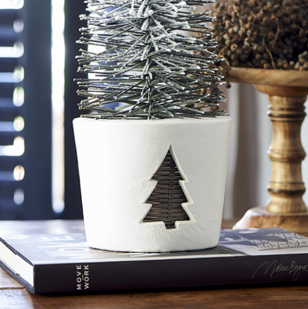 Winter Tree Pot M