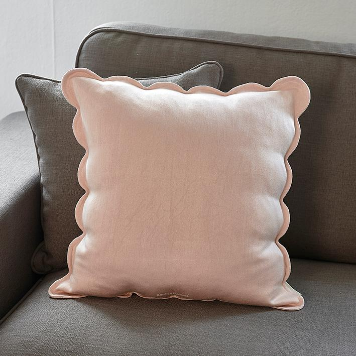 Fleur Scallop Pillow Cover